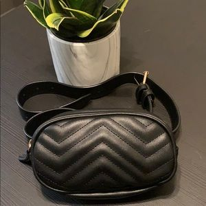Small black Fanny pack
